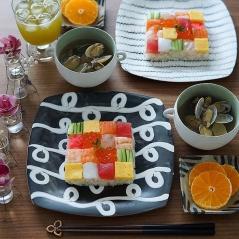 mosaic-sushi-16-57bfe9422571f__700