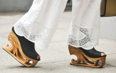 9-fashion-pagoda-shoes-09-1024x650
