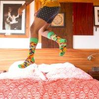 Щастливите крачета живеят в щастливи чорапи