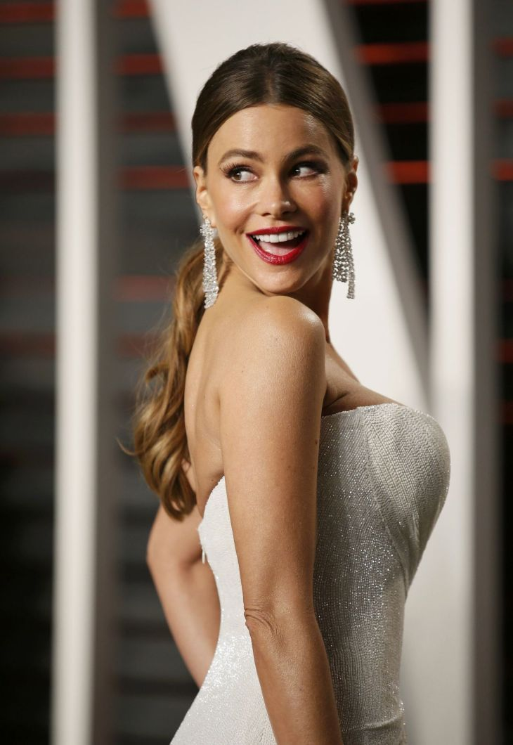sofia-vergara-vanity-fair-oscar-2016-party-in-beverly-hills-ca-1