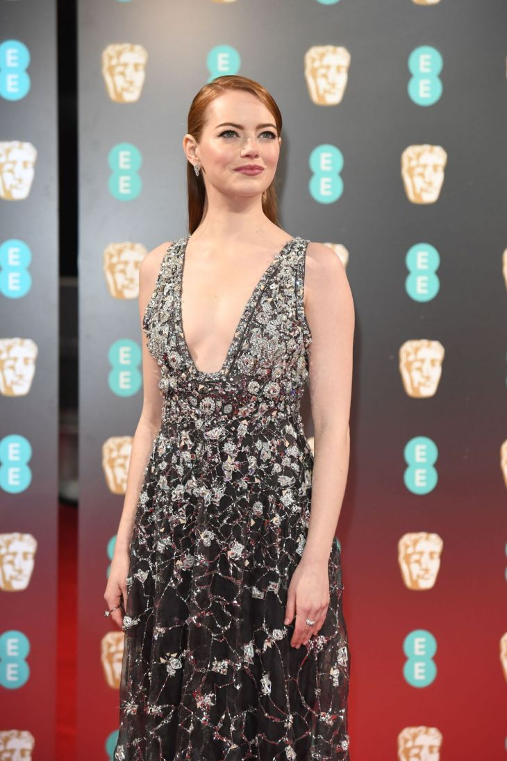 emma-stone-at-bafta-2017-awards-in-london-02-12-2017_1