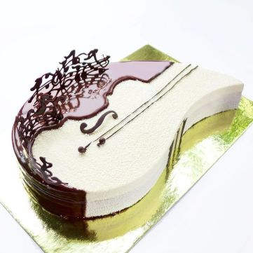 i-draw-and-create-my-own-chocolate-world-on-the-mirror-glaze-58999298c8395__700