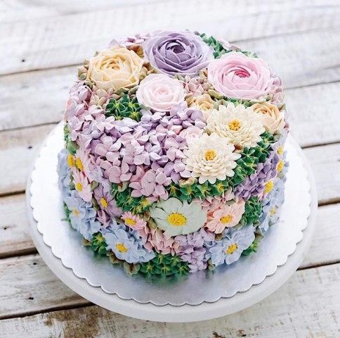 spring-colourful-buttercream-flower-cakes-1-58d8b597158a5__700
