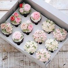 spring-colourful-buttercream-flower-cakes-16-58d8b5b699598__700