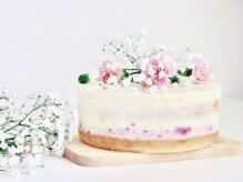 spring-colourful-buttercream-flower-cakes-7-58d8b5a4721ea__700