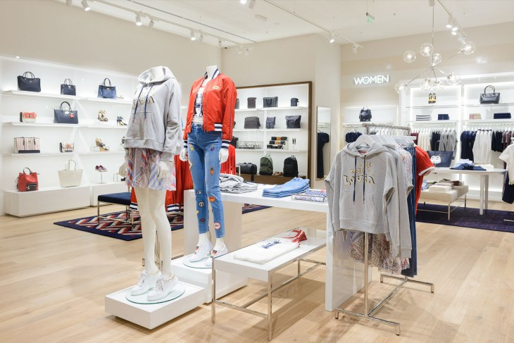 Tommy Hilfiger_Paradise Center (1)