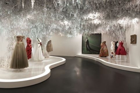 christian-dior-designer-of-dreams-scenography-21-cadrien-dirand-1499184885