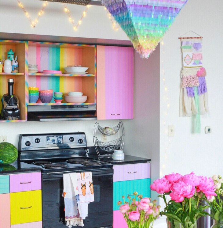 rainbow-colored-apartment-amina-mucciolo-42-59439def2ff44__880