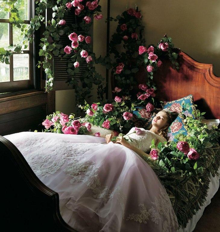 disney-wedding-dresses-kuraudia-co-9-59c4b2ff9d946__880