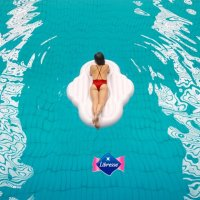 В менструацията няма нищо срамно или гнусно и стига с тая синя течност!