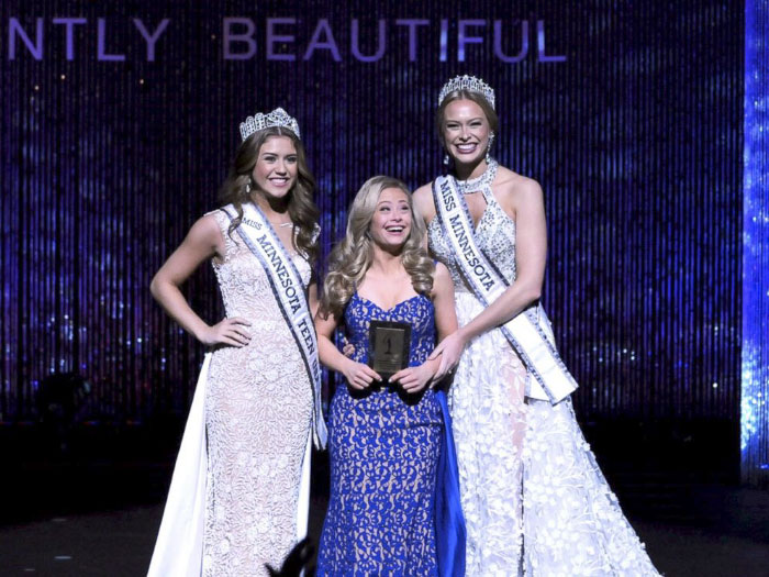 first-woman-down-syndrome-compete-miss-usa-state-pageant-mikayla-holmgren-14-5a1d13ef69217__700