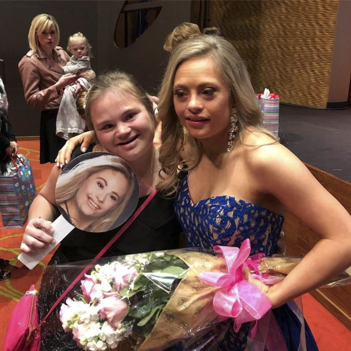 first-woman-down-syndrome-compete-miss-usa-state-pageant-mikayla-holmgren-21-5a1d13fd384e7__700