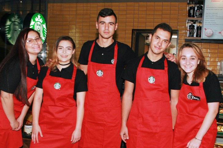 Starbucks_Christmas_Team