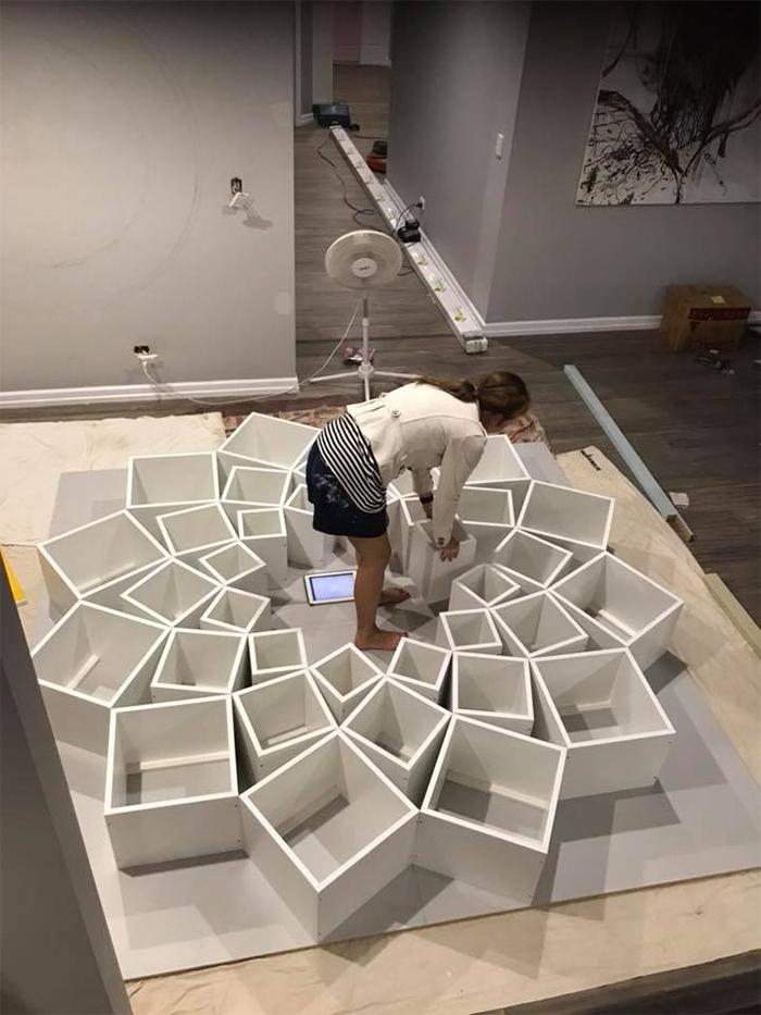 creative-bookshelf-jessica-sinclair-breen-4-5a3d1490d57e8__700