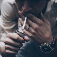 """Цигарки, парички, """"лоша реклама няма"""" и падението на родните """"звезди"""""""