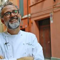 Масимо Ботура и ресторантът, който храни с 5-звездни блюда нуждаещи се