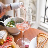 Ново на бара – водка с вкус (и цвят) на розе