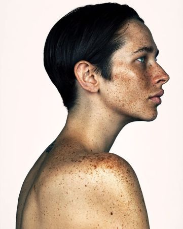 The-beauty-of-the-freckles-by-the-photographer-Brock-Elbank-5a829df6b0b01__700