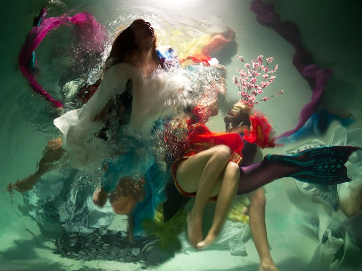 underwater-photography-dramatic-baroque-paintings-muses-christy-lee-rogers-11-5ba9ec075ac25__880