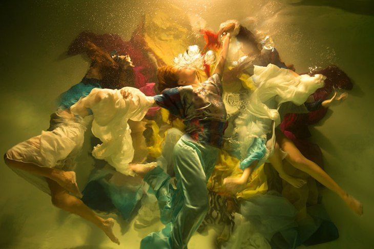 underwater-photography-dramatic-baroque-paintings-muses-christy-lee-rogers-7-5ba9ec0036eac__880
