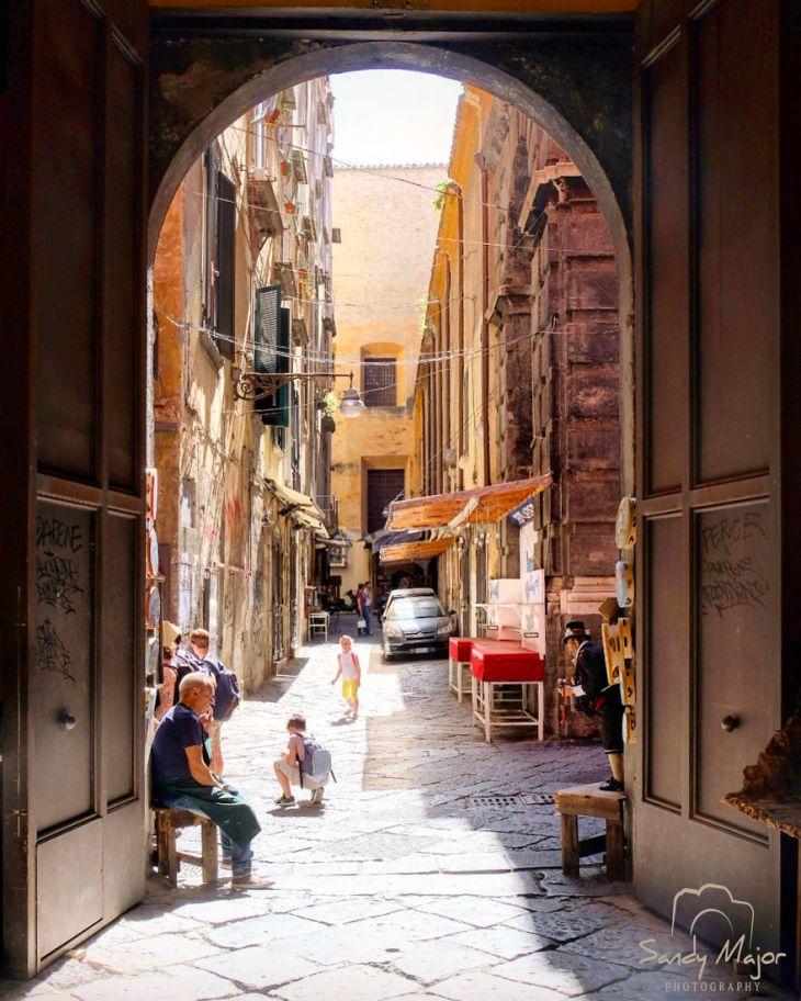 Naples-5935765520f71__880
