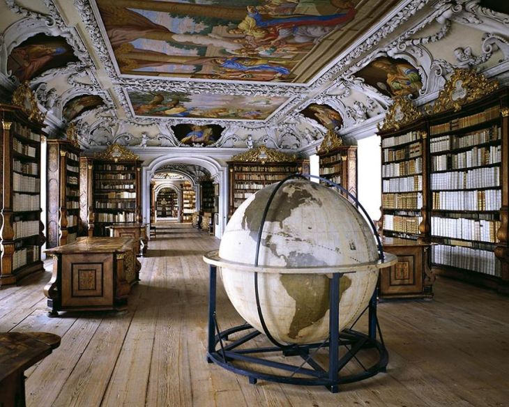 Photographer-goes-around-the-world-in-search-of-the-best-libraries-and-here-is-the-result-5bab391132652__880
