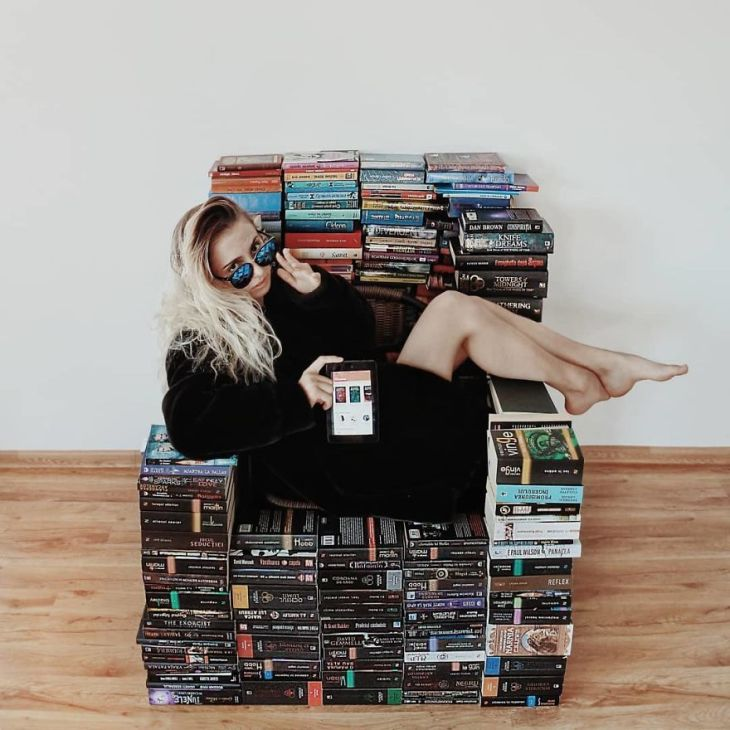 In-love-with-books-this-woman-uses-them-to-make-true-works-of-art-5bc00eb218707__880