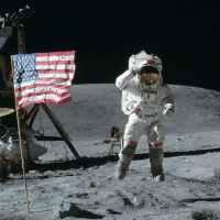 Имало ли е Аполо 11 или защо конспирациите влизат в учебния процес