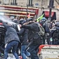Защо протестите в България са неуспешни